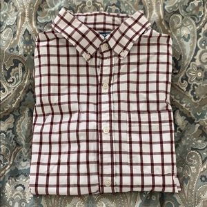 Old Navy Men's Classic Fit Shirt
